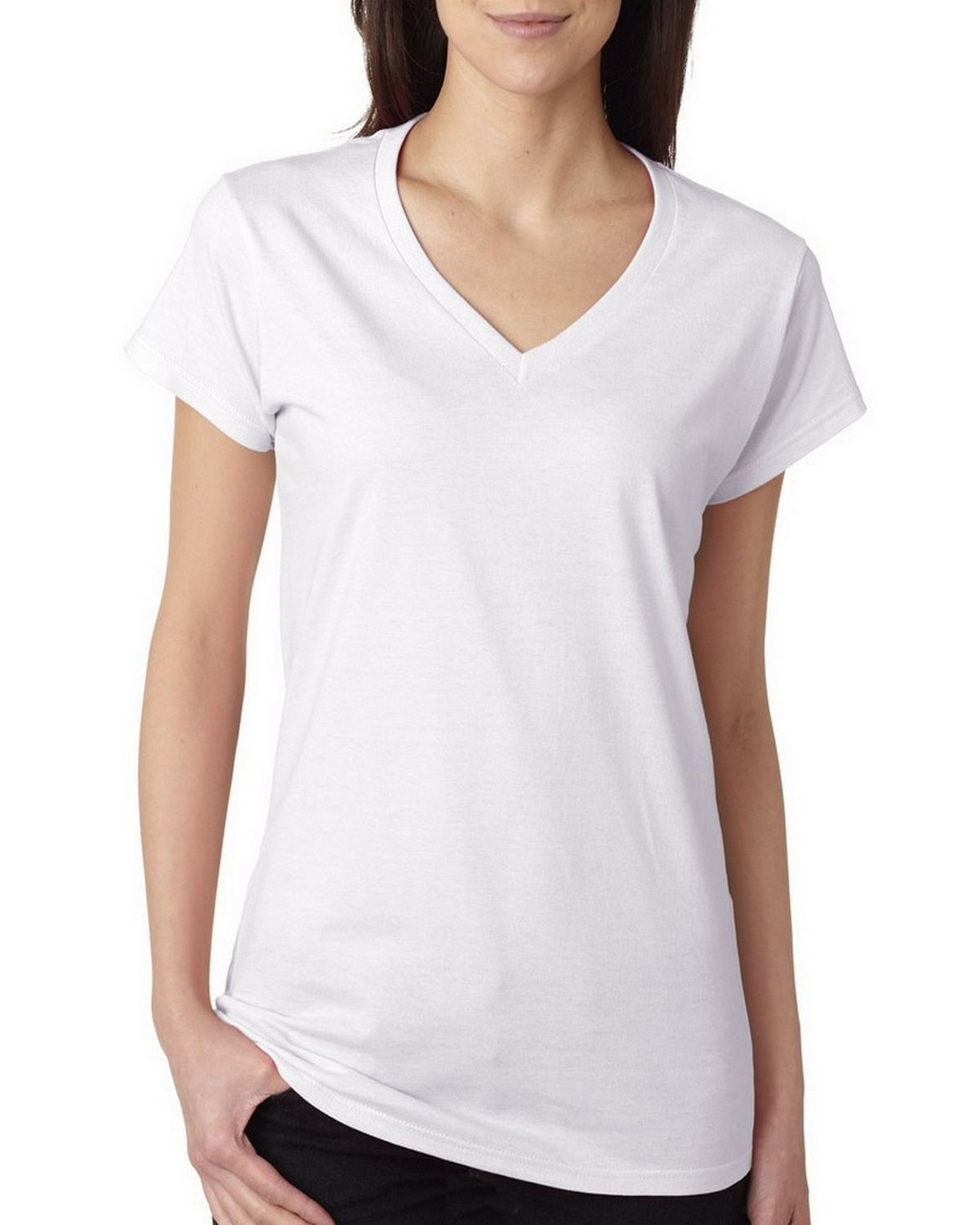 Classic Universal Thread™ V-neck tee is a versatile choice for any outfit V-neckline and front pocket add an interesting twist to the simple silhouette Pairs easily with your favorite jeans or any other bottoms.