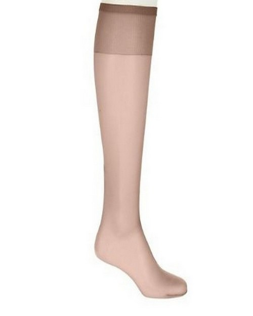 Hanes 00P19 Silk Reflections Plus Silky Sheer Knee High ET